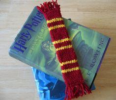 Harry Potter Double Knit Bookscarf: #knit #knitting #free #pattern #freepattern #freeknittingpattern #freeBookmarksknittingpattern
