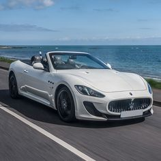 Reaching for the sky. #Maserati #GranCabrio MC #MaseratiGrancabrio