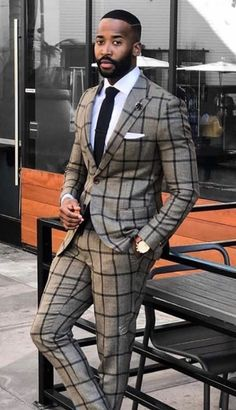 Black men are very stylish and conscious about their looks, that's why black men fashion clothing are designed with intensive care. Blazer Outfits Men, Stylish Mens Outfits, Gentleman Mode, Gentleman Style, Dapper Gentleman, Sharp Dressed Man, Well Dressed Men, Mens Fashion Suits, Mens Suits