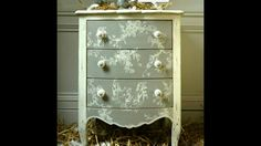 Nicki Chest This looks like a stencil but I can't find one like it and the nicer toile ones cost more than most of the furniture I buy! Hand Painted Furniture, Funky Furniture, Refurbished Furniture, Paint Furniture, Repurposed Furniture, Furniture Projects, Furniture Making, Furniture Makeover, Muebles Shabby Chic