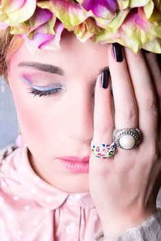 Portfolio_Look at You_Imagedesigner_Make-Up-Artist-Hairstylist_Helmie van Montfort_frida khalo Look At You, Make Up, Engagement Rings, Earrings, Model, Jewelry, Artist, Fashion, Frida Khalo