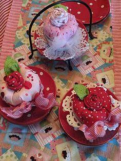 Cupcake Pincushions!