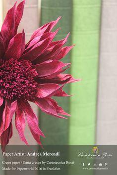 crepe paper flower made by the italian paperartist Andrea Merendi/fiore di carta crespa realizzato da Andrea Merendi- crepe paper/carta crespa: Cartotecnica Rossi