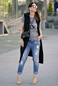 черное безрукавное пальто в дерзком повседневном сете