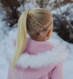 Elastic style into a ponytail! Another styleinspired by the amazing and creative @pr3ttygirl79  . . . . . #braid #braids #braiding #braidideas #braidstyles #flette #peinado #tresse #trenza #plait #hair #hairdo #hairstyle #hairoftheday #blondehair #hairinspo #hairinspiration #ponytail #frisyre #styling #winterwonderland #cute#cghphotofeature #snow