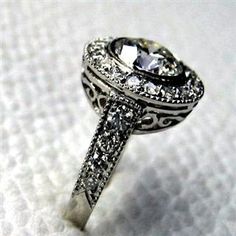 Vintage wedding ring - Absolutely love this!