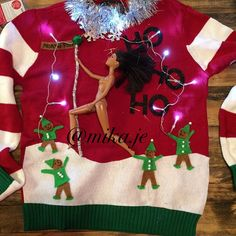 Snow globe diy ugly sweater diy ugly christmas sweater pinterest 40 cheap and easy ugly christmas sweater diys solutioingenieria Images