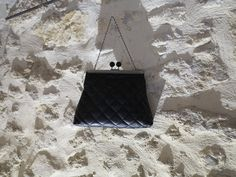 Nouvelle création Nany'n Petit sac en simili cuir  fermoir en métal. #pochette #wedding # #lace #fashion #accessory #madeinfrance #faitmain #mariée #robe #soie #soirée #accessoires #similicuir
