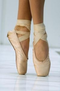 How to Prepare Your Ankles for Pointe Work thumbnail