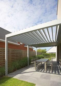 Petite Pergola Bois - - Pergola Plans With Seating - Corner Pergola Designs - Pergola Patio Restaurant - Diy Pergola, Corner Pergola, Metal Pergola, Deck With Pergola, Wooden Pergola, Covered Pergola, Patio Roof, Pergola Ideas, Metal Roof