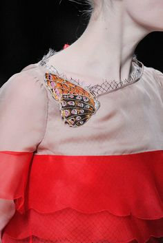 Valentino Fall 2010 Ready-to-Wear Collection Photos - Vogue#1#1
