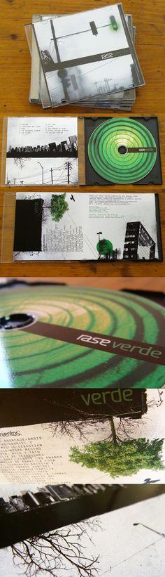 Rase es una banda de rock. Ellos tenía que armar el arte para el lanzamiento de su nuevo cd y Nomade se encargó del diseño de tapa, interior y cd.