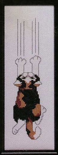 Scratching cat preview - free cross stitch pattern pinned separately