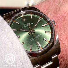 Such a shame that #rolex only makes this olive green dial in the 28mm and 34mm Oyster Perpetual models, and not (yet) in the 39mm version would you like to see this colour in a larger size?