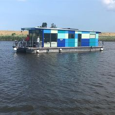 I don't like boats like this but I LOVE THE COLORS! (Actually you can't even speak of a boat but good is fair it's sailing ...) That's why I think it's worth an Instagram photo anyway    #houseboat #houseboats #varendwoonschip #woonschip  #wonenophetwater #binnenvaart #myinterior #ship #vessel #maritime #maritiem #meerval #aanboord #dreamdaredo #luxemotor #inlandshipping #sailing #wayofliving #aqua #blue #nicecolors Houseboats, Aqua Blue, Things To Think About, Sailing, Ship, Nice, Colors, Instagram, Candle