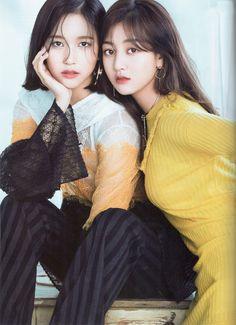 Mina and Jihyo of Twice