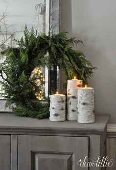 Christmas winter decor: place birch candles around the house. Simple green wreath and birch candles on a side table for an easy and fresh holiday decor idea. After Christmas, Noel Christmas, White Christmas, Christmas Wreaths, Elegant Christmas, Christmas Candles, Christmas Cactus, Christmas Place, Christmas Lights