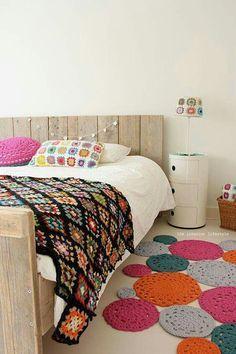 Habitacion decorada con ganchillo