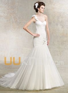 Wedding Gowns I love: Kitty Chen 2013 ellen not the one shoulder thing but is this about how full you wanted to make the skirt? Mermaid Trumpet Wedding Dresses, Formal Dresses For Weddings, Wedding Bridesmaid Dresses, Wedding Dress Styles, Bridal Dresses, Mermaid Wedding, Peacock Wedding, Ivory Wedding, Formal Wedding