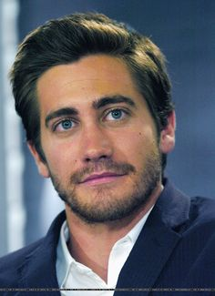 Jake Gyllenhaal - I love the colour of his eyes!
