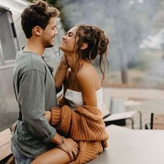 21 Essential Open Relationship Rules to Know . fotos 21 Essential Open Relationship Rules to Know . Cute Couples Photos, Cute Couple Pictures, Cute Couples Goals, Couple Goals, Love Pics, Romantic Couple Photos, Poses For Couples, Cute Couple Things, Cute Boyfriend Pictures
