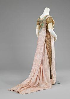 Simcox Egyptian revival dress ca. 1912 via The Costume Institute of the Metropolitan Museum of Art