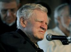 Doc Watson, folk music legend, dies at 89