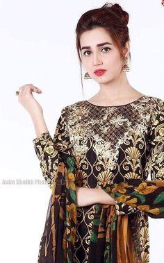 Islamic Girl, Ayeza Khan, Special Girl, Pakistani Actress, Pretty Girls, Bell Sleeve Top, Girly, Beautiful Women, Sari
