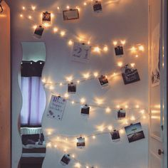 Pinning my memories. Thanks for the speedy delivery, @polabora. Love them ❤️ #fairylights #decorations #stringlights #bedroom