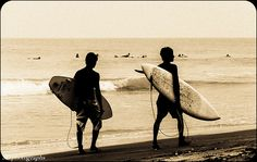 local surfers, Arugam Bay, Sri Lanka (www.secretlanka.com)