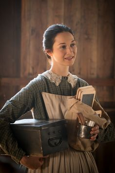 Emma Green - Hannah James in Mercy Street (TV ser Historical Romance, Historical Clothing, Mercy Street Pbs, Civil War Movies, The Wolf Among Us, Brand Archetypes, 1800s Fashion, Pride And Prejudice, Period Dramas
