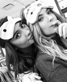 Beauties @shaym and @itsashbenzo head to AEO for holiday shopping. #Regram #AEOGIFTS