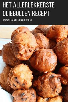 The most delicious oliebollen Dutch Recipes, Tart Recipes, New Recipes, Favorite Recipes, Yummy Snacks, Yummy Treats, Poffertjes, Cheesecake, Beignets