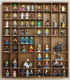 5 DIY Ideas for Lego Minifigure Storage.make it a little bigger to be able to display other Lego stuff Lego Display, Display Ideas, Display Cases, Lego Minifigure Display, Legos, Lego Duplo, Lego Minifigs, Boy Room, Kids Room