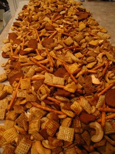 healthy snacks - Here's one of my favorite munchie recipes It's basically a traditional chex mix from chex com with a few tweaks It was requested that, along with my hubby and I, we bring a batch of this chex mix to our little family reunion in Montana Chex Recipes, Trail Mix Recipes, Snack Mix Recipes, Recipies, Appetizer Recipes, Gourmet Appetizers, Christmas Appetizers, Cereal Recipes, Party Appetizers
