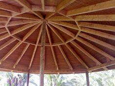cortebrezo.net: pérgolas · estructuras de madera · techos de junco · casas de madera · brezo · cubiertas vegetales - Estructuras