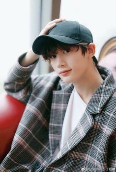 Korean Boys Ulzzang, Ulzzang Korea, Ulzzang Boy, Cute Asian Guys, Asian Boys, Asian Men, Jikook, Cute Japanese Boys, Dream Boyfriend