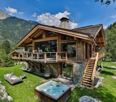 Luxury Chalet in Chamonix, France from Ski In Luxury. Features hot tub, sauna, swimming pool and fireplace. Chalet Design, Chalet Style, Cabin Homes, Log Homes, Luxury Ski Holidays, Black Squirrel, Wooden House, House In The Woods, Woodworking Plans