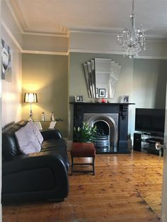 Most current Free of Charge Fireplace Remodel gray Concepts An inspirational image from Farrow & Ball. Farrow And Ball Living Room, Living Room Green, My Living Room, Home And Living, Living Room Decor, Bedroom Decor, Victorian Living Room, 1930s Living Room, Feature Wall Bedroom