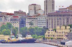 A Coruña La Corogne Galice Espagne 094 - Trois remorqueurs devant La Terraza