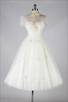 vintage 1950s white tulle & daisies dress