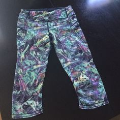 Lulu lemon capri pants size 6 Colorful capris worn once! Excellent condition! lululemon athletica Pants Capris