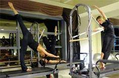 http://viadeigonzaga.it/palestra/fitness-reggio-emilia-palestra/corsi-di-pilates-reggio-emilia Reformer e Cadillac |  La sua combinazione di molle,cinghie, pulegge e carrello di scivolamento permette un'incredibile varietà di esercizi per l' #AllineamentoPosturale, il #PotenziamentoMuscolare e la flessibilità. Inoltre, coinvolgendo tutti i gruppi muscolari, è adatto sia all'allenamento sia alla riabilitazione, specialmente per i problemi alla colonna vertebrale.