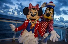 Does Disney Cruise Line Accommodate Guests with Food Allergies? Disney World Tours, Disney Worlds, Disney Questions, Reds Bbq, Disney Cruise Ships, Grilling Gifts, Disney Addict, Mickey And Friends, Mickey Minnie Mouse