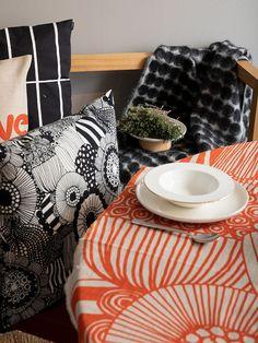 Marimekko's fall/winter home collection 2019 Linen Duvet, Linen Fabric, White Patterns, Flower Patterns, Winter House, Fall Winter, Scandinavian Cabin, Room Above Garage, Shades Of Maroon