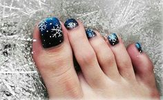 Here I have 15 Christmas toe nail art designs, ideas & stickers of Get the glimpses of these awesome Xmas nails and do revert us with your feedback. Blue Toe Nails, Toe Nail Color, Toe Nail Art, Nail Colors, Toenail Art Designs, Pedicure Designs, Acrylic Nail Designs, Christmas Nail Art Designs, Winter Nail Designs