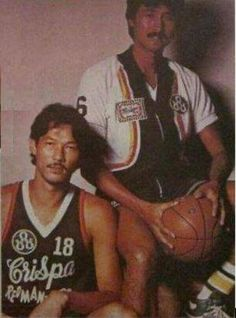 Atoy Co and Philip Cesar of the Crispa Redmanizers in Basketball Leagues, Basketball Players, Philippine Basketball Association, Nba, Baseball Cards, Retro, Sports, Image, Hs Sports