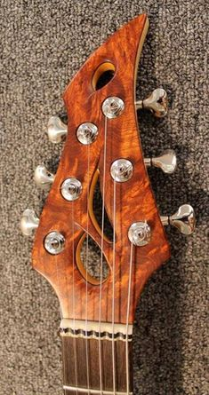 Stephen Strahm Guitars Isabella Custom headstock