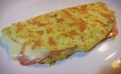Omelete de presunto e queijo low carb high fat.