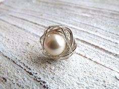 Nest aus Silberdraht mit Crystal Perle von Charme-charmant    auf DaWanda.com